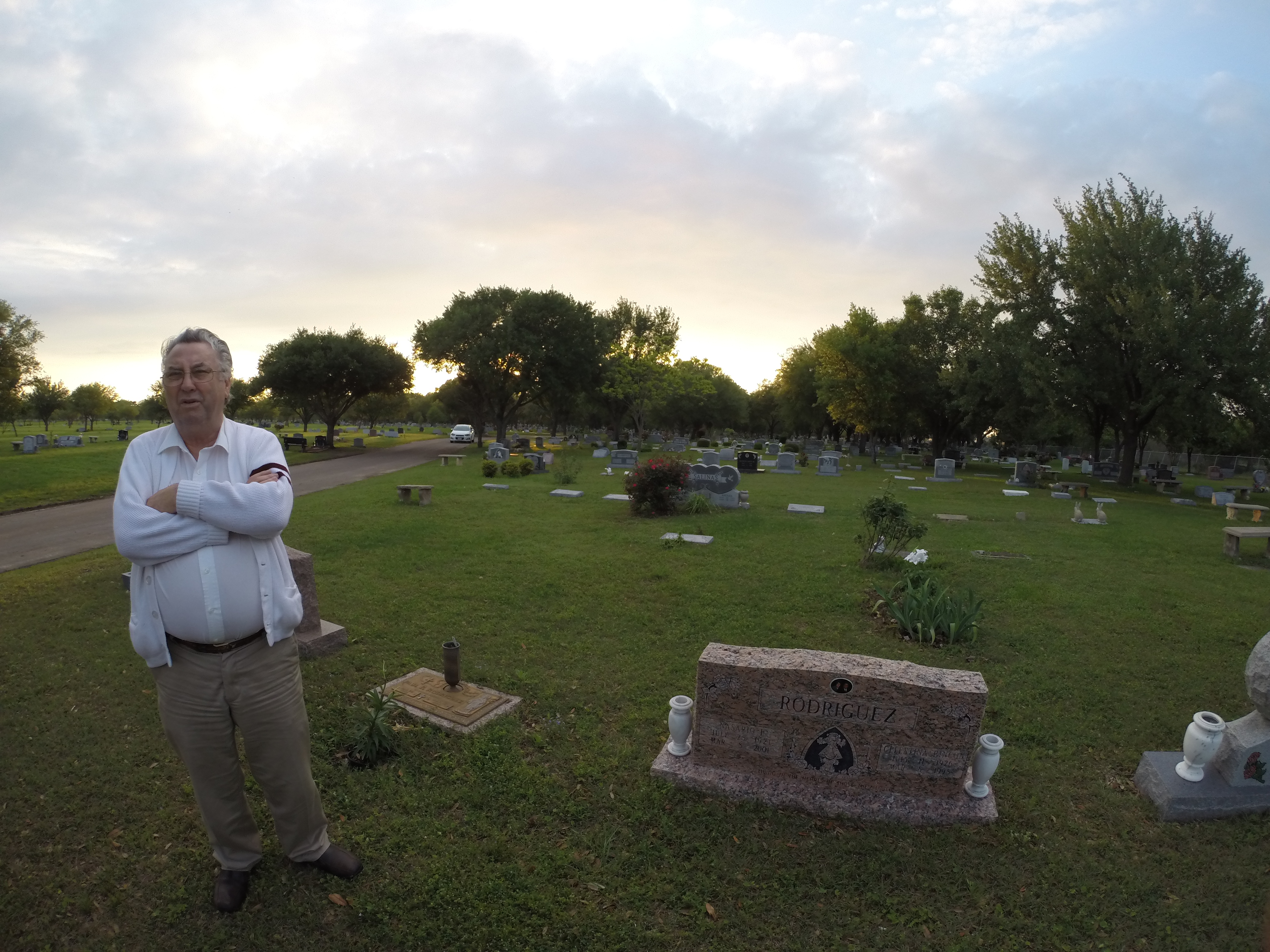 waco survivor clive doyle at graveyard